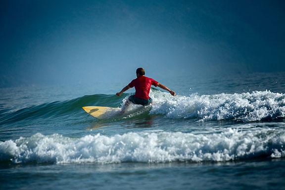 red-shirt-surfer